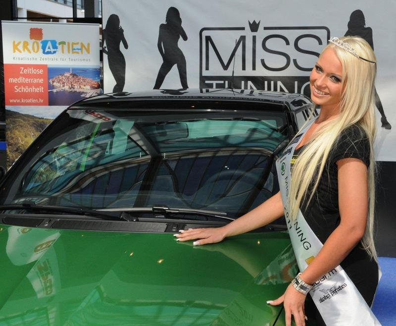 Mandy Lange named Miss Tuning 2011 at Tuning World Bodensee
