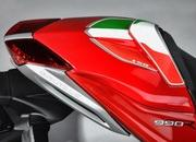 MV Agusta Brutale 990R Italy 150 Special Edition - image 401136
