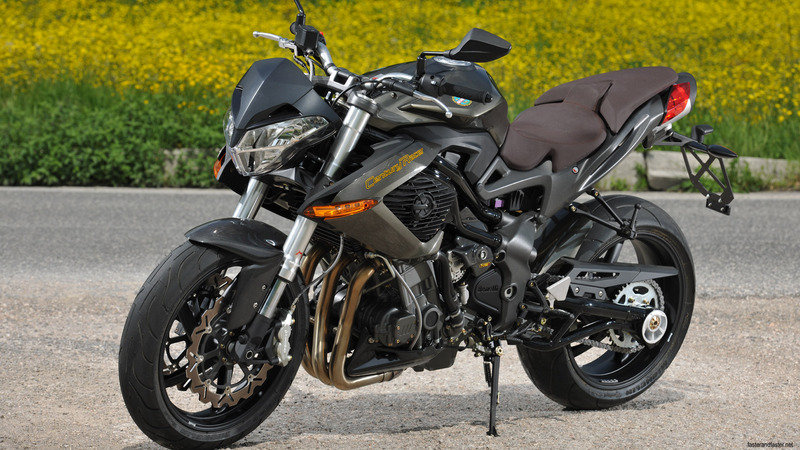 2011 Benelli TnT 899 and TnT 1130 Century Racers