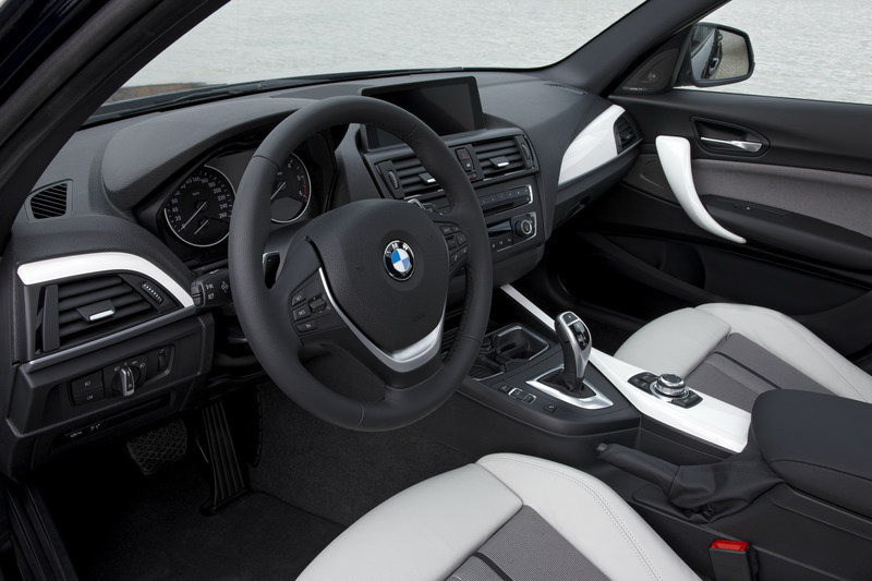 2012 BMW 1-Series Sport and Urban Line Interior - image 404886