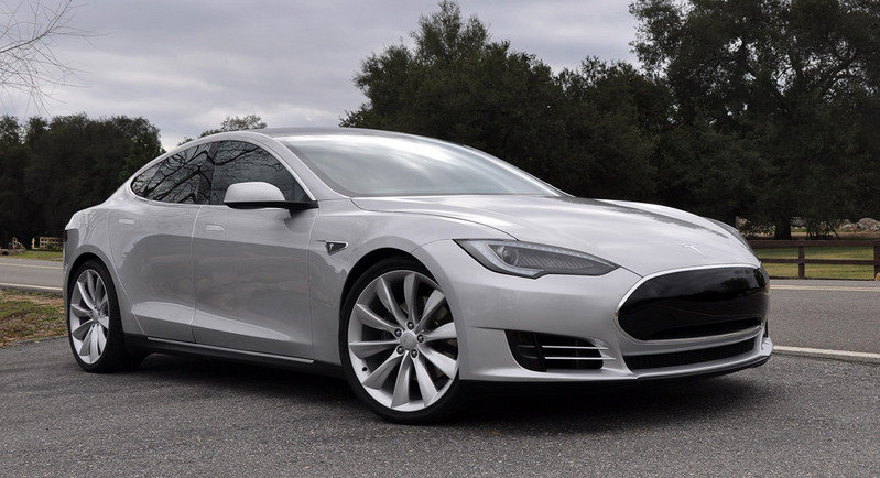 Tesla Offers an Infinite-Mile Warranty for the Model S