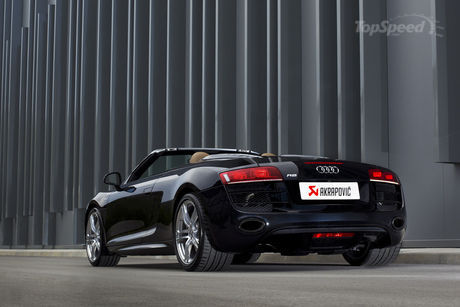 Audi R8 V10 by Akrapovic