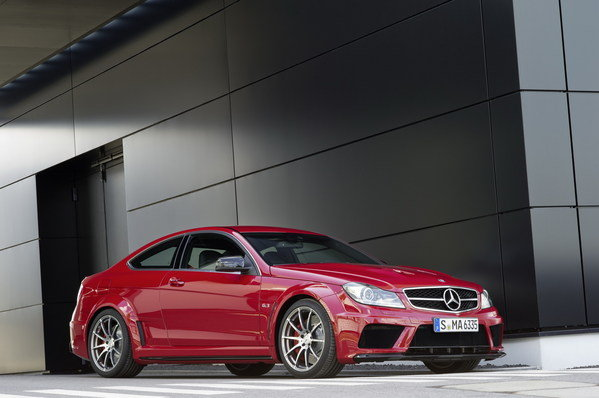 2013 mercedes c63 amg black series coupe car review top speed. Black Bedroom Furniture Sets. Home Design Ideas