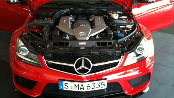 2013 mercedes c63 amg black series coupe car review for Mercedes benz c63 engine