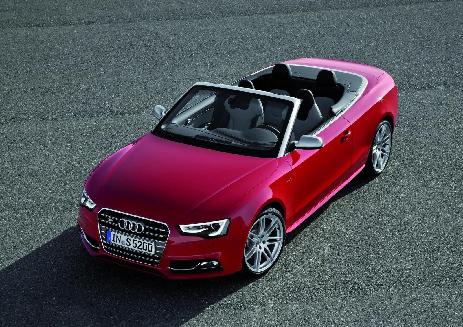 http://pictures.topspeed.com/IMG/crop/201107/audi-s5-convertible-7_1600x0w.jpg