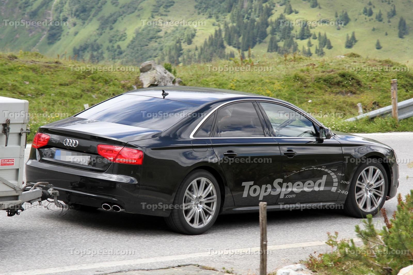 2012 Audi S8 spied brake-testing with more details