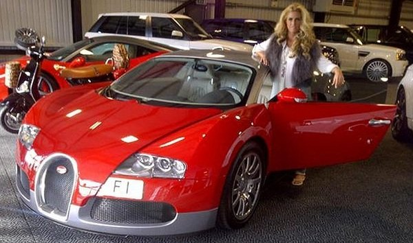 katie price buys herself a bugatti veyron plans to paint. Black Bedroom Furniture Sets. Home Design Ideas