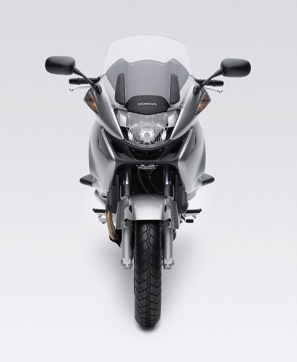Motorcycle Review Top Speed: 2011 Honda NT700V - Picture 411127