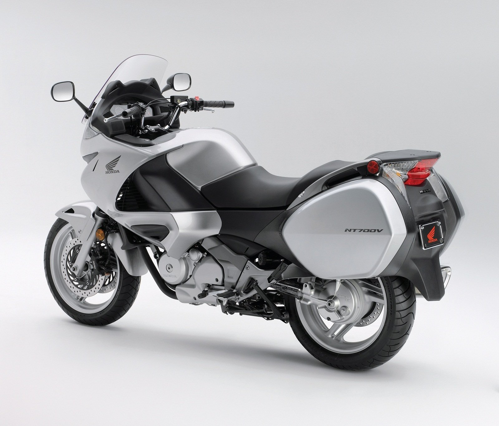 2011 honda nt700v picture 411129 motorcycle review. Black Bedroom Furniture Sets. Home Design Ideas