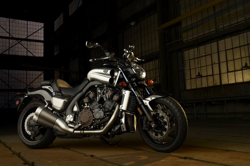 2011 Yamaha VMax High Resolution Exterior - image 412616
