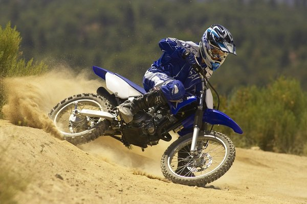 2011 yamaha tt r125le motorcycle review top speed for Yamaha ttr 125 top speed