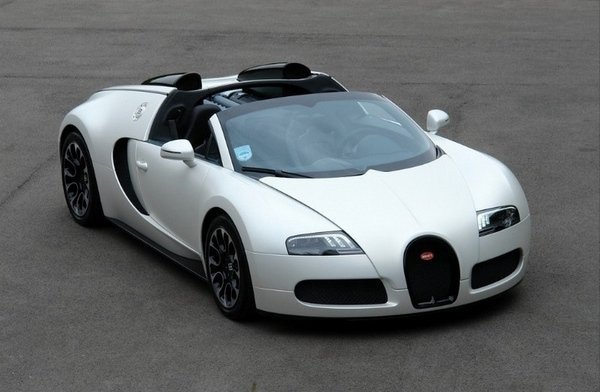 2010 bugatti veyron grand sport sang blanc car review. Black Bedroom Furniture Sets. Home Design Ideas