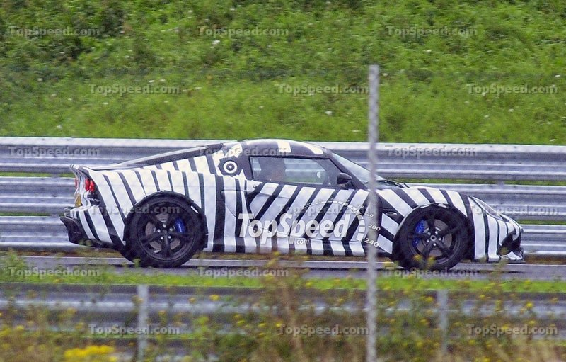 Spy Shots: New Lotus Exige caught with horrendous camouflage