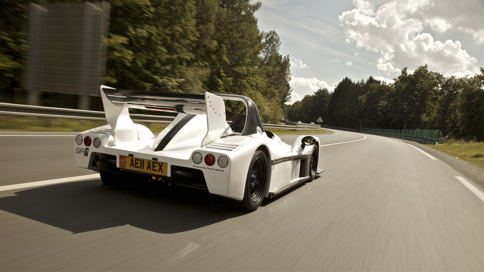 http://pictures.topspeed.com/IMG/crop/201109/2011-radical-sr3-sl-1_1600x0w.jpg