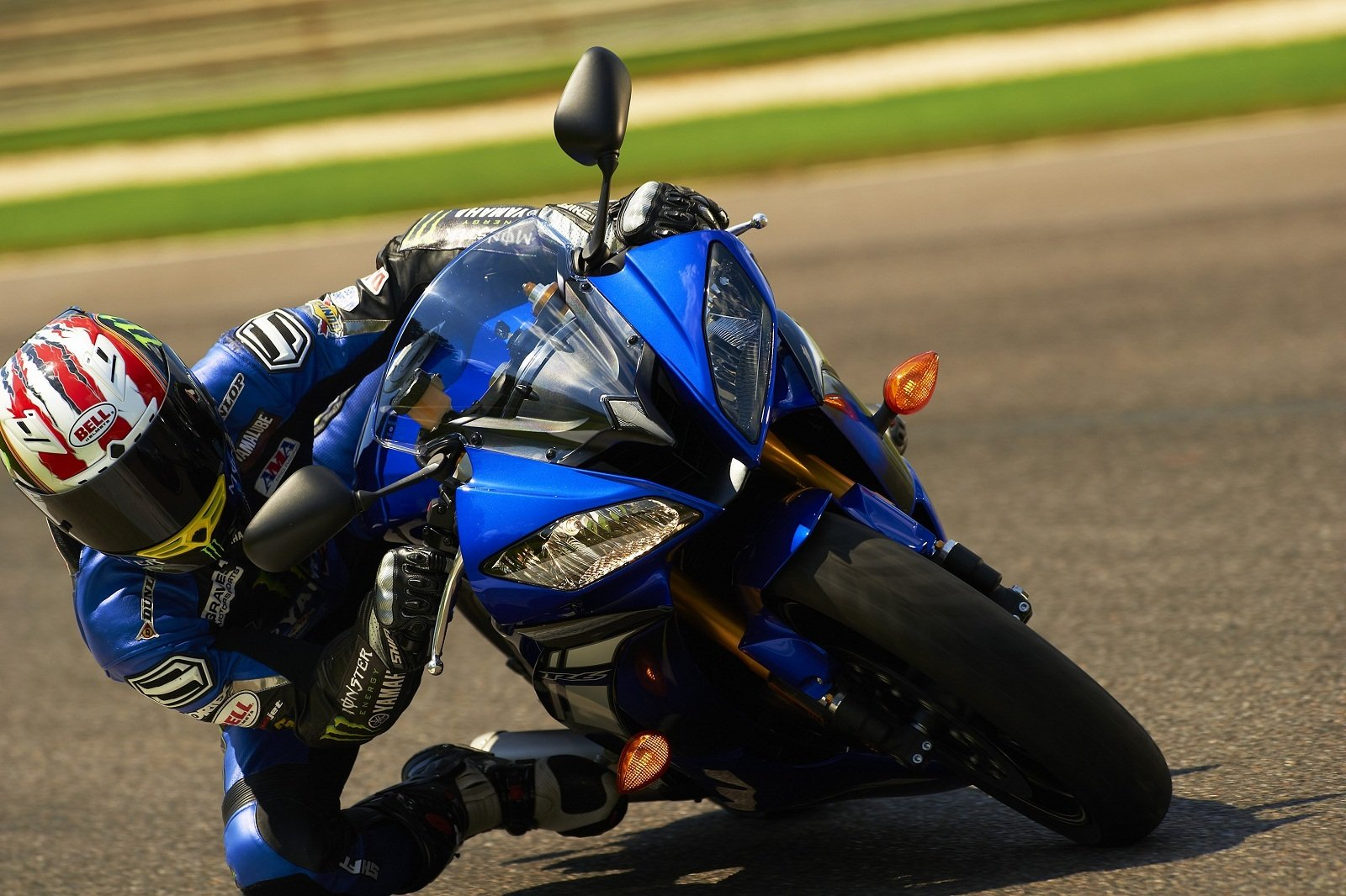 2018 - 2019 Yamaha YZF-R1 / R1M Pictures, Photos