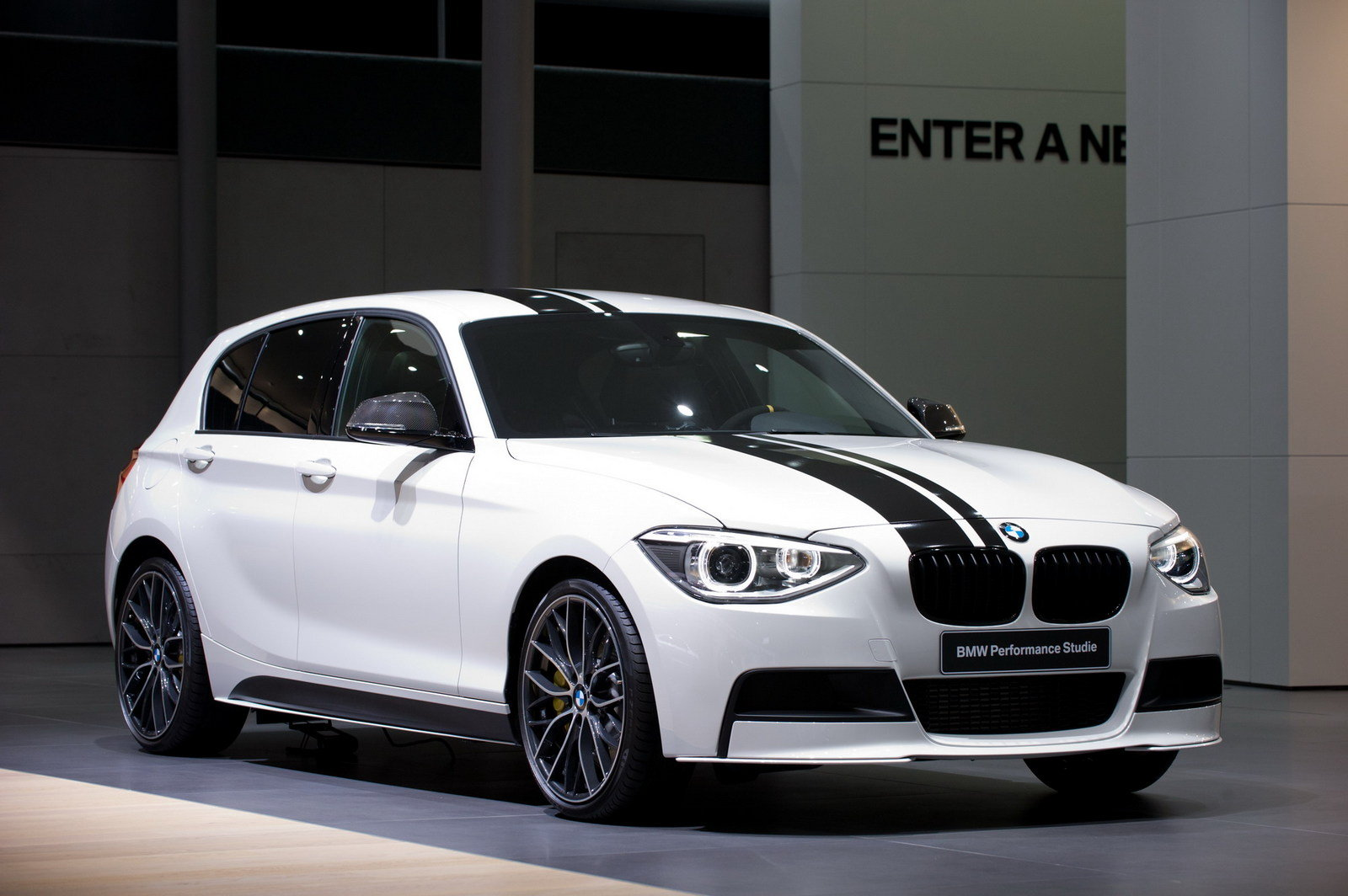 2012 bmw 1 series performance accessories top speed. Black Bedroom Furniture Sets. Home Design Ideas