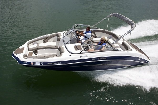 2011 yamaha 242 limited boat review top speed for Yamaha 24 boat