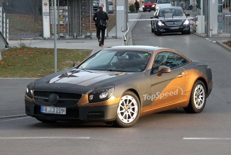 Spy Shots: Mercedes SL-Class Strips Down and Shows off its New Grill