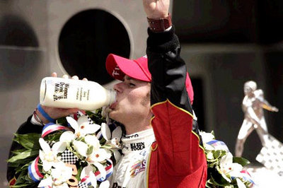 Indy 500 winner Dan Wheldon dies after huge crash in IndyCar season finale