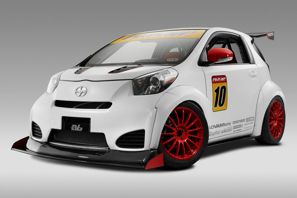 Scion iQ-RS by Michael Chang