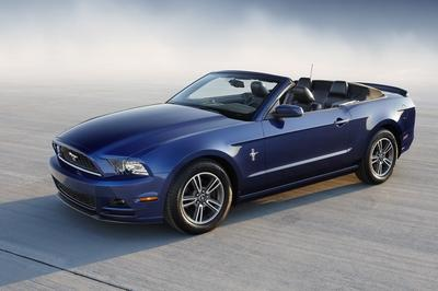 2000 ford mustang v6 convertible review