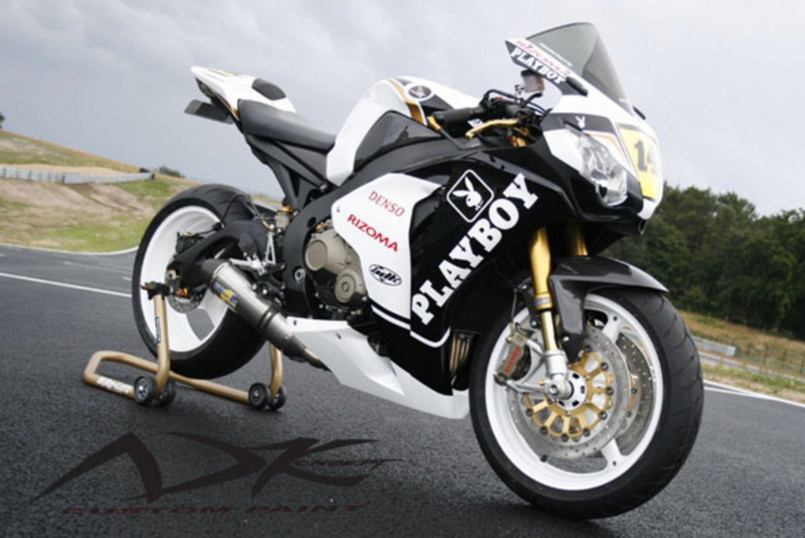 Honda Cbr Reviews Specs Prices Photos And Videos Top Speed Two Brothers Cbr1000rr 2012 2014 Silver Series Slip On Exhaust System With M 2 Carbon Fiber Canister