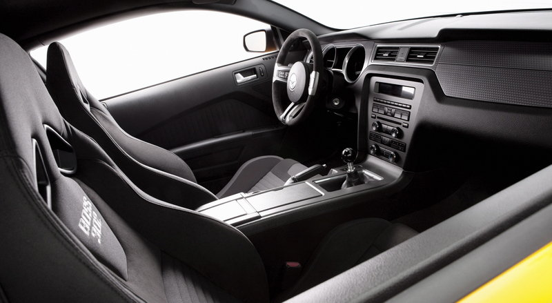2013 Ford Mustang Boss 302 Interior - image 426029