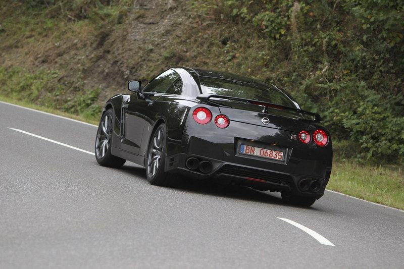 2013 Nissan GT-R High Resolution Exterior - image 424001