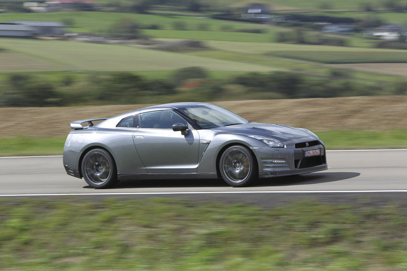 2013 Nissan GT-R High Resolution Exterior - image 423976