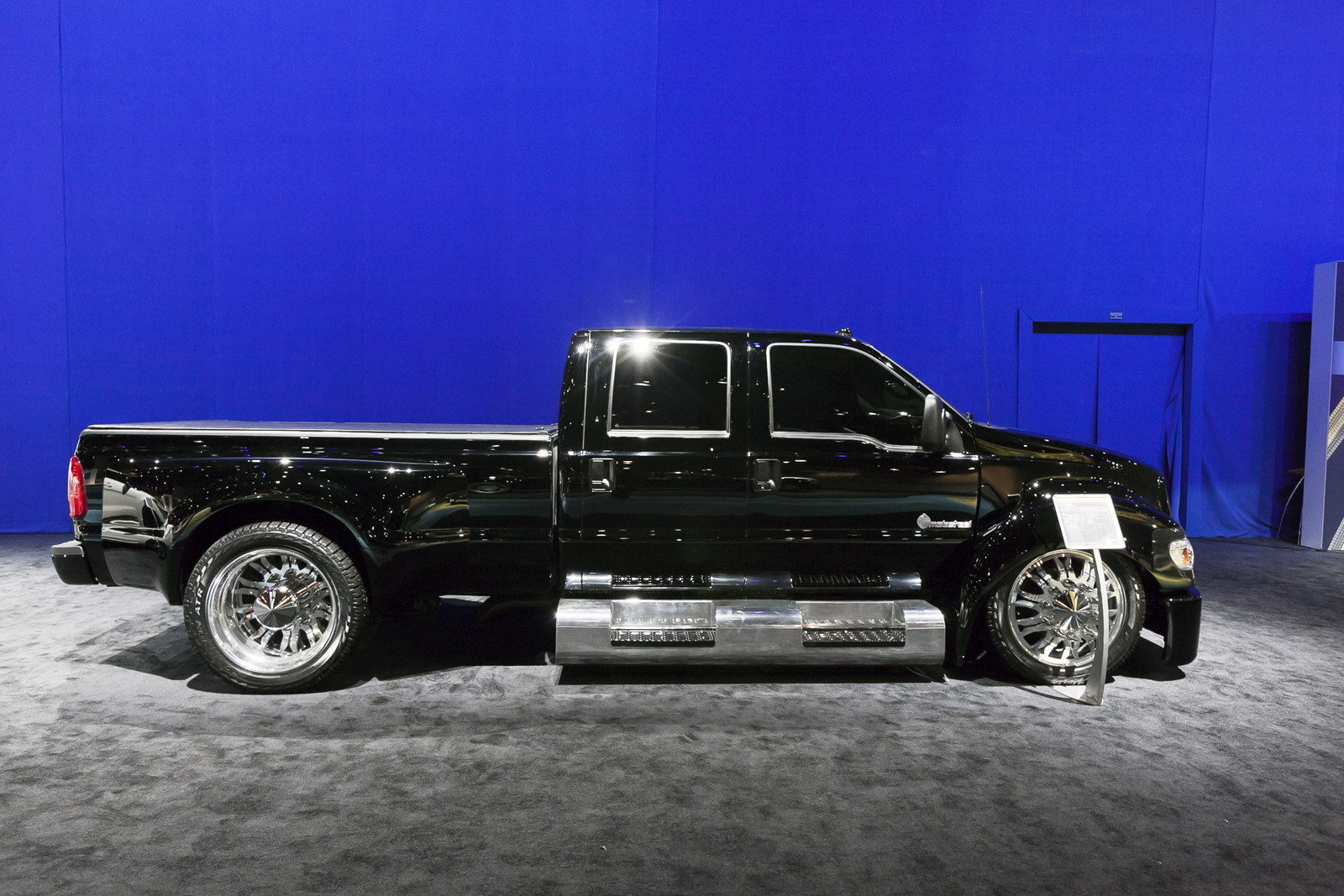 2012 ford f 650 hollow point by mobsteel picture 424669 car review top speed. Black Bedroom Furniture Sets. Home Design Ideas