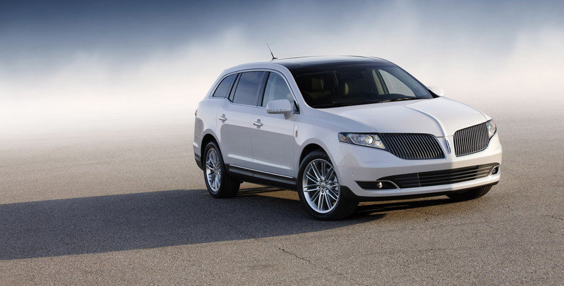 2013 Lincoln MKT High Resolution Exterior - image 426722