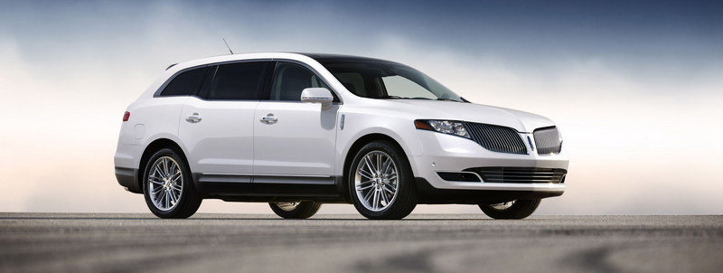 2013 Lincoln MKT High Resolution Exterior - image 426723