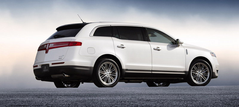 2013 Lincoln MKT High Resolution Exterior - image 426724