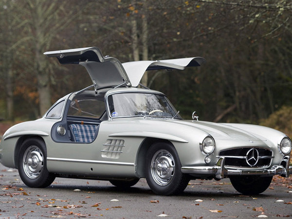1955 mercedes 300sl gullwing auctioned for 4.62 million picture