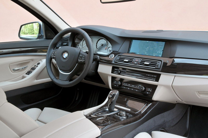 2012 BMW ActiveHybrid 5 Interior - image 435961