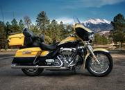 2012 Harley-Davidson CVO Ultra Classic Electra Glide - image 434057