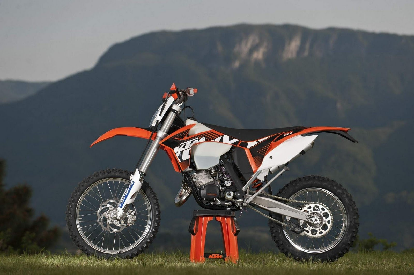 2012 ktm 125 exc picture 435227 motorcycle review top speed. Black Bedroom Furniture Sets. Home Design Ideas