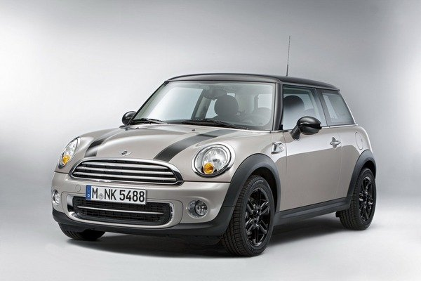 2012 mini cooper baker street special edition car review. Black Bedroom Furniture Sets. Home Design Ideas
