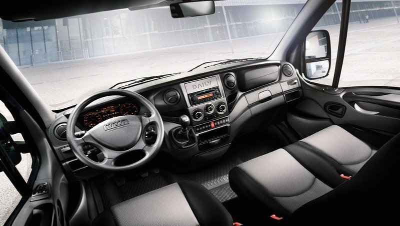 2011 Iveco Daily High Resolution Interior - image 440338