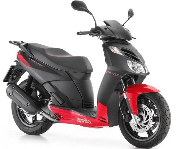 2012 aprilia sportcity cube 125 300 motorcycle review top speed. Black Bedroom Furniture Sets. Home Design Ideas