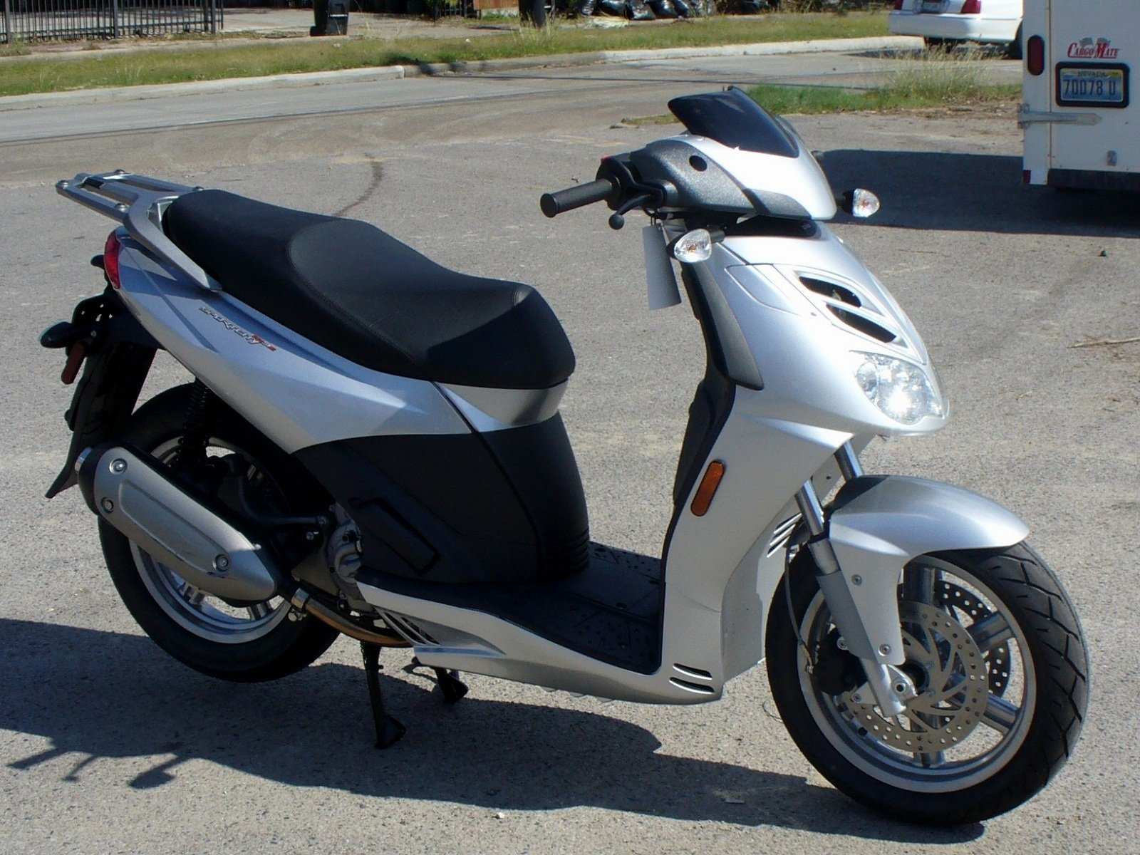 2012 aprilia sportcity cube 125 300 picture 439141 motorcycle review top speed. Black Bedroom Furniture Sets. Home Design Ideas
