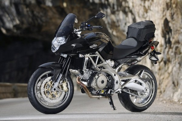 2012 aprilia shiver 750 gt abs motorcycle review top speed. Black Bedroom Furniture Sets. Home Design Ideas