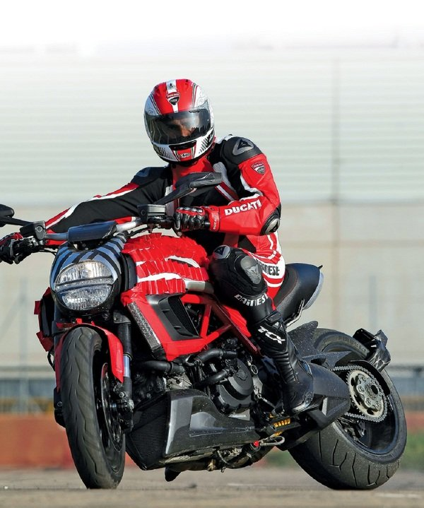 Motorcycle Review Top Speed