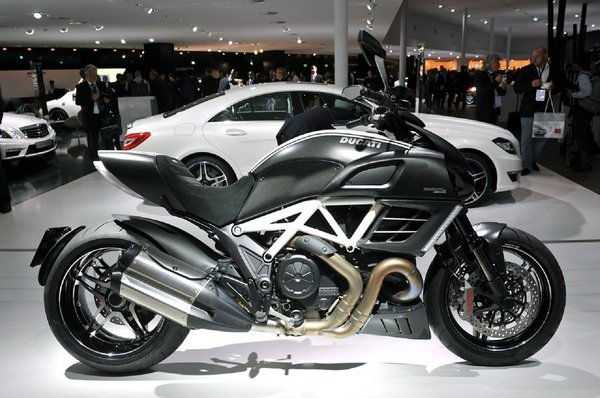 ducati diavel amg picture