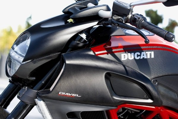2012 Ducati Diavel Carbon Motorcycle Review Top Speed