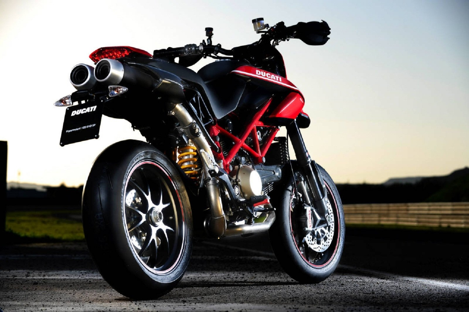 2012 ducati hypermotard 1100 evo sp picture 439750 motorcycle review top speed. Black Bedroom Furniture Sets. Home Design Ideas