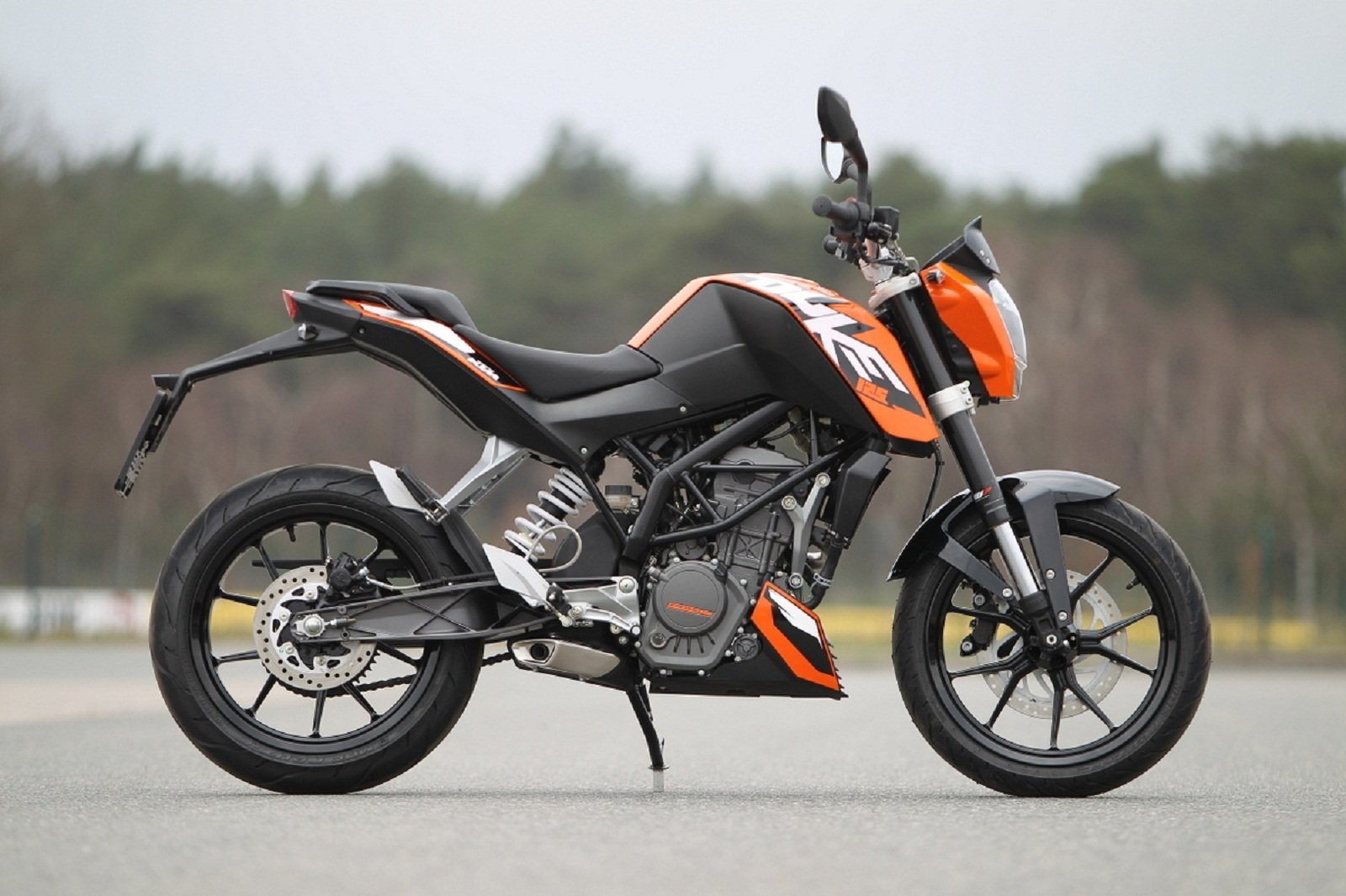 2012 ktm 125 duke picture 436567 motorcycle review. Black Bedroom Furniture Sets. Home Design Ideas