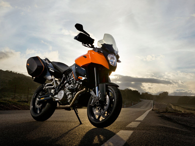 ktm 990 supermoto reviews specs prices top speed. Black Bedroom Furniture Sets. Home Design Ideas