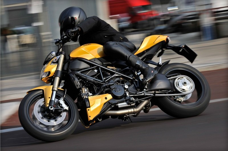 2012 ducati streetfighter 848 review top speed. Black Bedroom Furniture Sets. Home Design Ideas