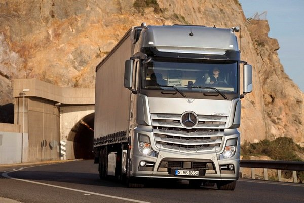 mercedes benz actros picture